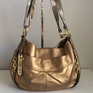 B Makowsky snake and metallic crossbody bag 😍❤️